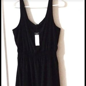 BCBG flowy black sleeveless dress